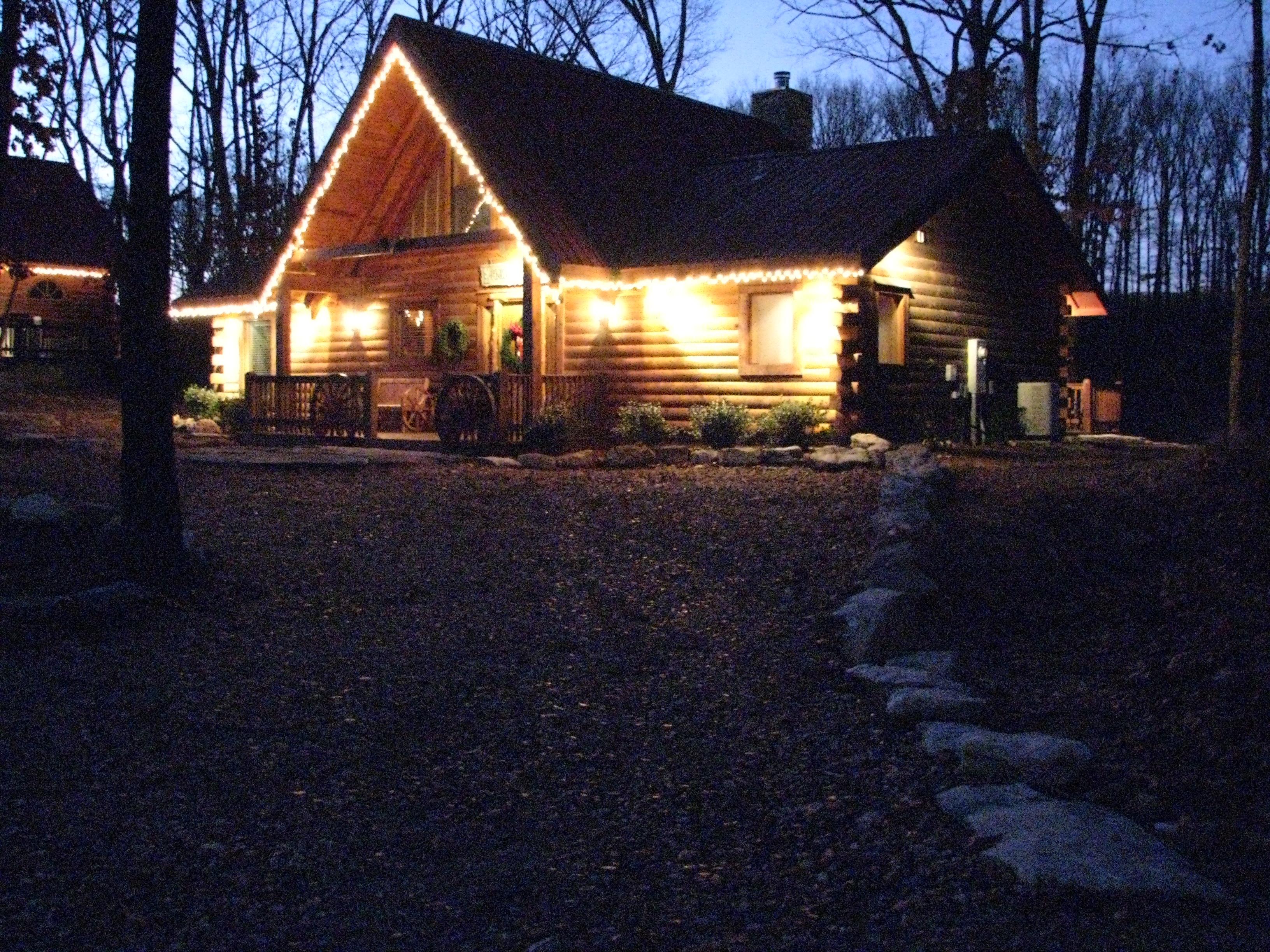 About Hawk Hollow Log Cabin Rental Branson Missouri